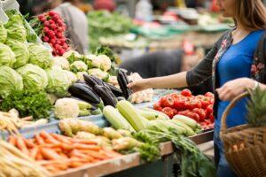 ahorrar dinero en alimentos ecologicos